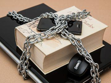 Blog - Psychische druk bij geheimhouding - Mediator mevrouw Drs. S.P.J. Toutenhoofd (Pety)
