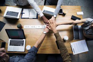 Merlijn Medezeggenschap (MMZ) is al meer dan 15 jaar een apart onderdeel van Merlijn Groep waarbinnen branchegerichte, ervaren trainers en adviseurs zich inzetten om ondernemingsraden in heel Nederland efficiënter te maken.